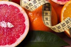 Oranges et bande fraîches Photos stock