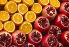 Oranges et pomegranat frais Photo libre de droits