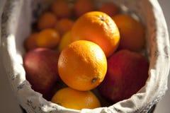 Oranges et pommes Photos libres de droits