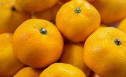 Oranges sur le marché, foyer mou Photo libre de droits