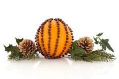 Orangeund NelkePomander lizenzfreie stockbilder