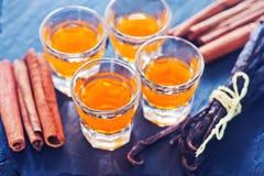 Oranje alcoholische drank stock afbeelding