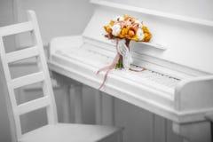 Oranje boeket van orchidee Royalty-vrije Stock Foto's