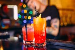 Oranje cocktail met een stro Royalty-vrije Stock Afbeeldingen