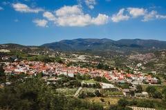 Oranje daken Panorama dichtbij van Kato Lefkara - is het beroemdste dorp in de Troodos-Bergen Limassol stock foto