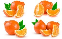 Oranje die mandarijn of Mineola met plakken op witte achtergrond worden geïsoleerd Reeks of inzameling Royalty-vrije Stock Foto's