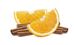 Oranje die plakkenpijpjes kaneel 2 op wit worden geïsoleerd Royalty-vrije Stock Afbeelding