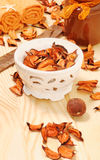 Oranje droge bloemblaadjes voor KUUROORD Royalty-vrije Stock Foto