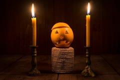 Oranje Duivel Halloween met kaars Stock Afbeeldingen