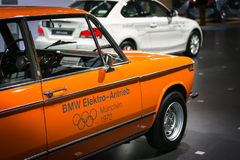 Oranje Elektrische Auto Stock Afbeelding