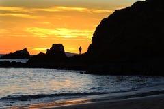 Oranje en blauwe zonsondergang over de oceaan in Zuidelijk Californië royalty-vrije stock fotografie
