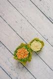 Oranje en gele kunstbloemen Royalty-vrije Stock Afbeeldingen