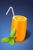 Oranje glas over blauw Stock Fotografie