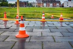Oranje kegels voor de opleiding van fietsers, stock afbeelding