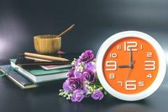 Oranje klok Royalty-vrije Stock Afbeeldingen