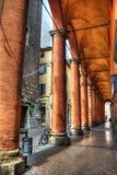 Oranje kolommen in Bologna royalty-vrije stock afbeelding