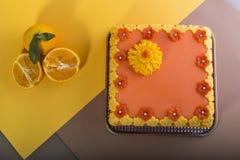 Oranje laagcake stock afbeelding
