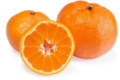 Oranje mandarijnen met zachte geïsoleerde schaduwen Stock Foto's