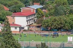 Oranje Meisieskool zoals die van Zeeheuvel wordt gezien Royalty-vrije Stock Foto