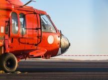 Oranje militaire helikopter stock afbeeldingen