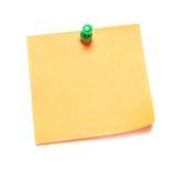 Oranje nota met kopspijker Stock Afbeelding