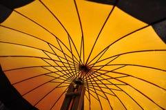 Oranje paraplu Royalty-vrije Stock Foto