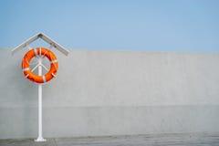 Oranje Reddingsboei Royalty-vrije Stock Foto's