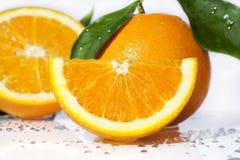 Oranje Segment en Sinaasappelen stock foto