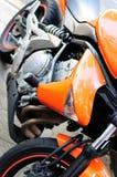 Oranje sportfiets Stock Foto