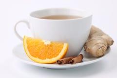 Oranje thee met kaneel en gember royalty-vrije stock foto's