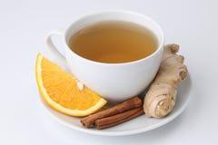 Oranje thee met kaneel en gember royalty-vrije stock afbeeldingen