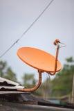 Oranje TV-ontvanger Stock Fotografie