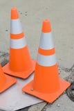 Oranje verkeerskegels Stock Afbeeldingen