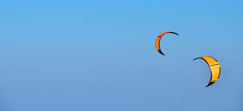 Oranje vliegers Stock Foto's