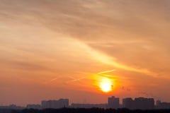 Stedelijke vroege mornigzonsopgang Stock Afbeeldingen