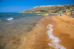 Oranje zand bij Rampa-baai - eiland Gozo - Malta Royalty-vrije Stock Foto