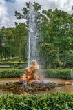 Oranjeriefontein Triton, Peterhof, Rusland Stock Afbeeldingen