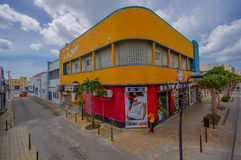 ORANJESTAD, ARUBA - 5 DE NOVEMBRO DE 2015: Porto usado imagens de stock