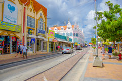 ORANJESTAD ARUBA - NOVEMBER 05, 2015: Gator av Royaltyfri Fotografi