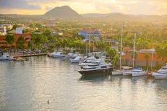 Oranjestad, porto de Aruba no amanhecer Fotos de Stock Royalty Free