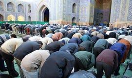 Oração em massa muçulmana de sexta-feira Foto de Stock Royalty Free