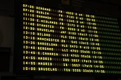 Orario in aeroporto internazionale Immagine Stock Libera da Diritti