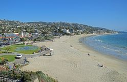 Orario invernale alla spiaggia principale in Laguna Beach, California Immagine Stock Libera da Diritti