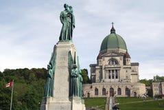 A oratória de Saint Joseph da catedral real da montagem, Canadá imagens de stock