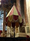 Oratoria sull'altare principale della cattedrale di Narbona Immagini Stock Libere da Diritti