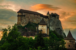 Orava城堡在日落的斯洛伐克 免版税库存图片