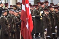 Orchestra militare prima dell'arrivo del suo principe ereditario dell'altezza reale della Danimarca Frederik e la sua principessa immagini stock