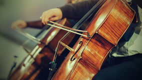 Orchestra sinfonica in scena fotografie stock
