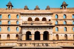 Orchha-Fort Raja Mahal, alte Ruinen in Indien Lizenzfreie Stockbilder