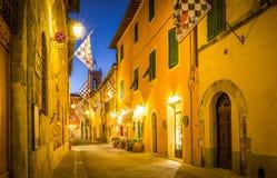 Orcia por noche, Toscana del ` de San Quirico D Fotografía de archivo libre de regalías